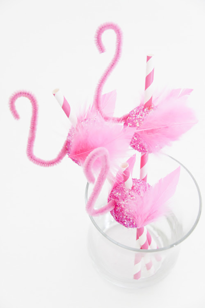 Craftykins // DIY Animal Party Straws