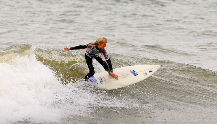 Babiekins Magazine_Stylekins_Anna Bloess_Surfing