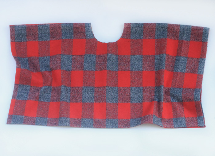Babiekins Magazine | Craftykins // DIY No Sew Poncho
