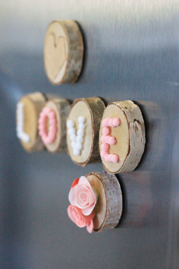 Babiekins Magazine |Craftykins // Valentine's Day Fridge Magnets