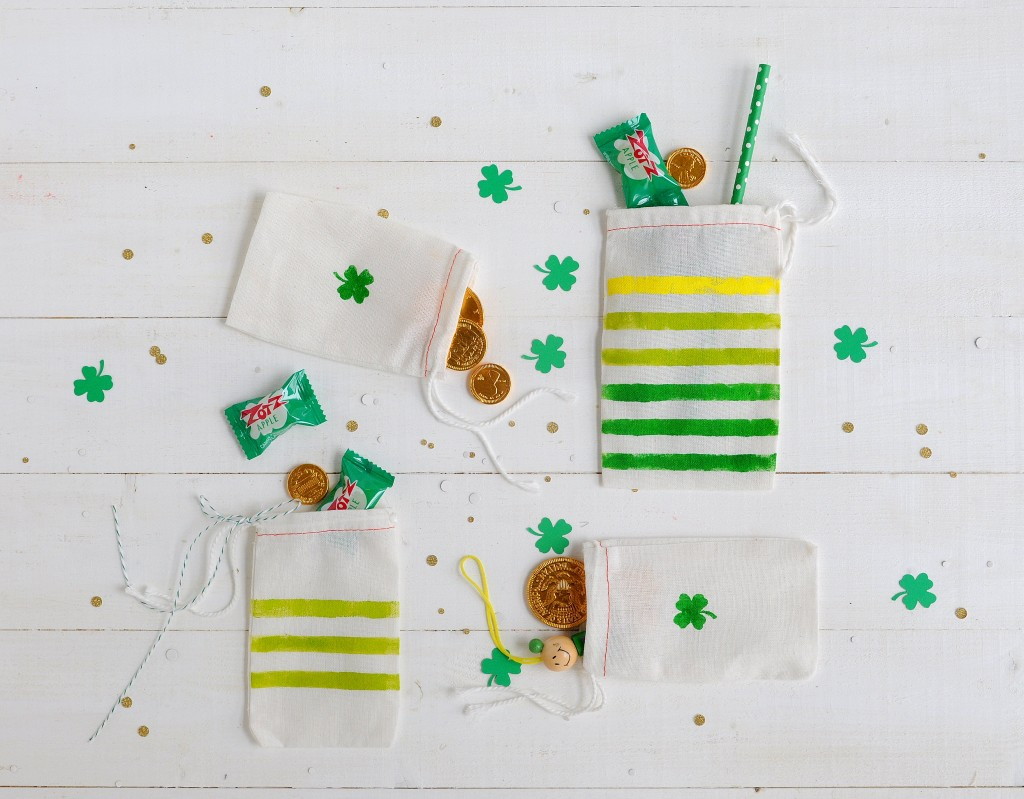 Babiekins Magazine|Craftykins // DIY St. Patrick's Day Treat Bags
