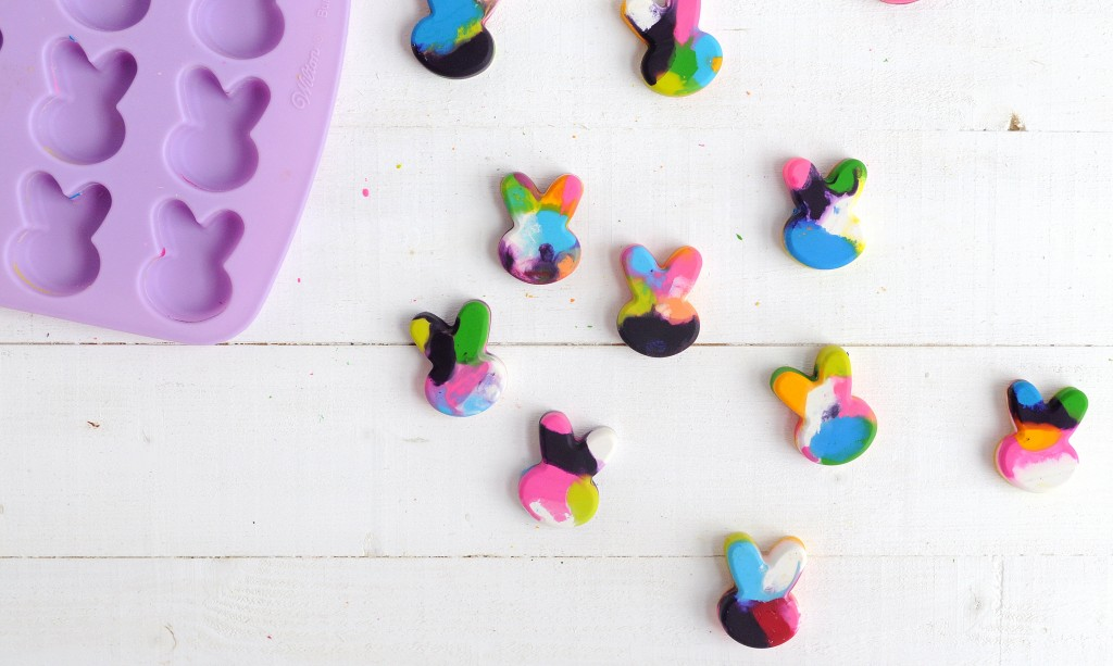 Babiekins Magazine|Craftykins // DIY Easter Bunny Crayons