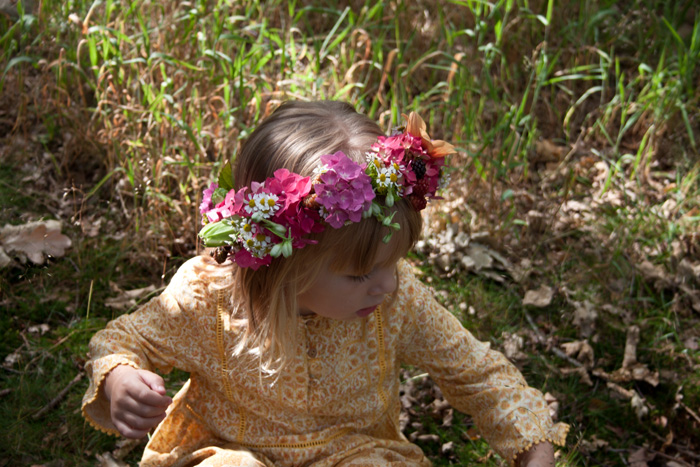 Babiekins Magazine | Festival Fashionkins | Edie Sitting In Long Grass