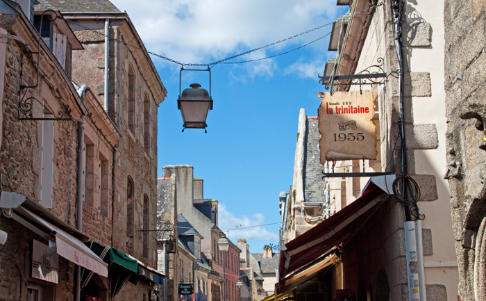 Babiekins Magazine | Travelkins | Brittany Back Street