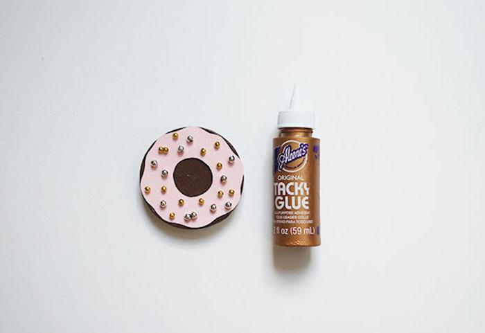 Babiekins Magazine | Donut Box Glue Icing