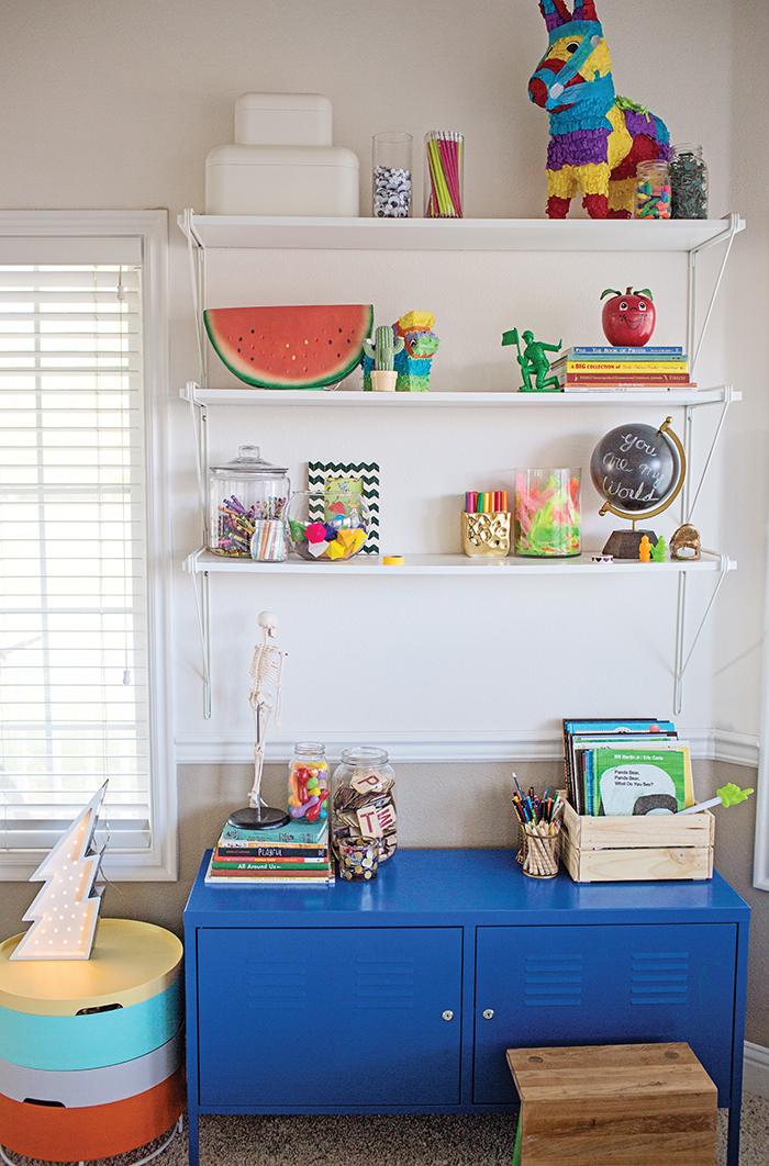 Schoolkins // Babiekins Magazine : Priscila Barros Homeschool Room