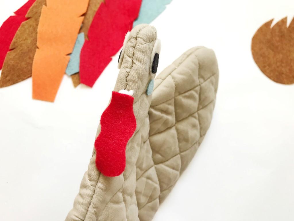 oven mitt turkey puppets // babiekinsmag